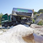 Volvo-lastbil med højtryksrenser