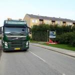Drænasfalt spules rent på Solnavej i Søborg