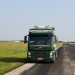 Stevns Miljø Service højtryksrensede striberne i Roskilde Lufthavn
